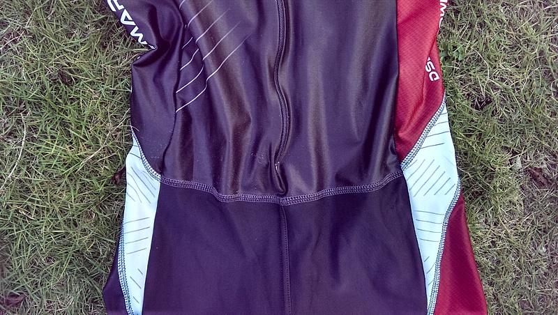 trisuit-front-waist